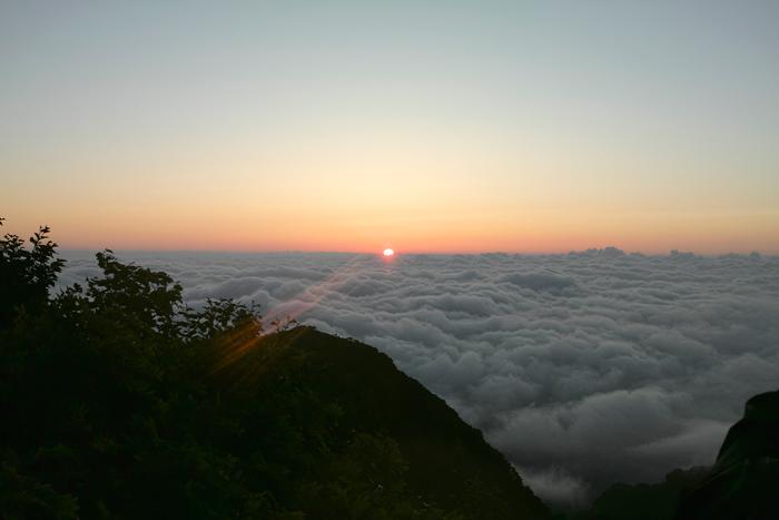 火打山から妙高山へ 高谷池でテント泊2日目