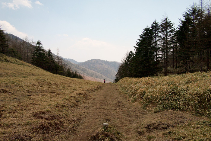笠取山から唐松尾山を経て丹波村へ 奥秩父を歩く
