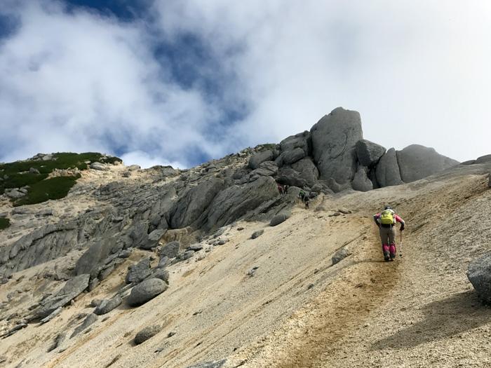夏の甲斐駒ケ岳 広河原から歩いて北沢峠へ